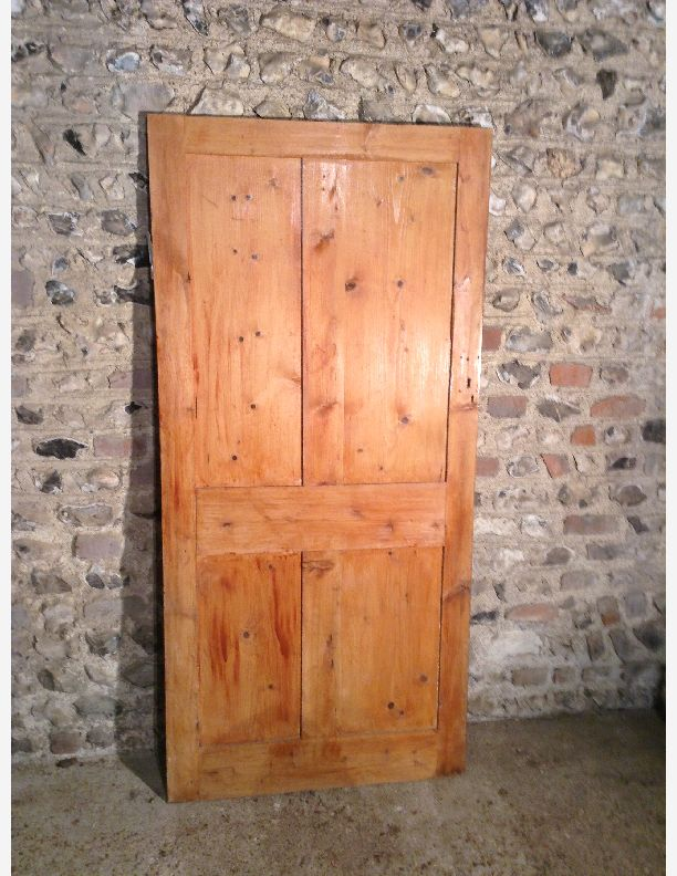 844 - Victorian 4 panel door with moulding one side
