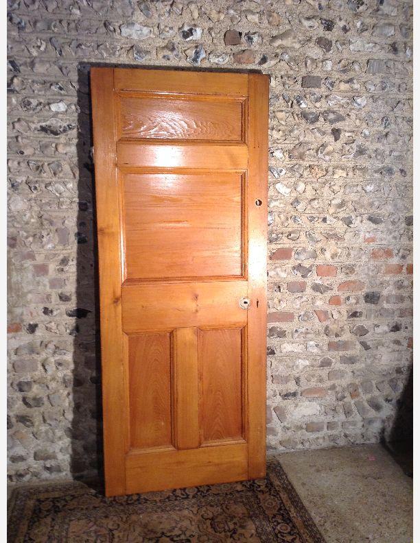 947 - 4 panel Victorian door