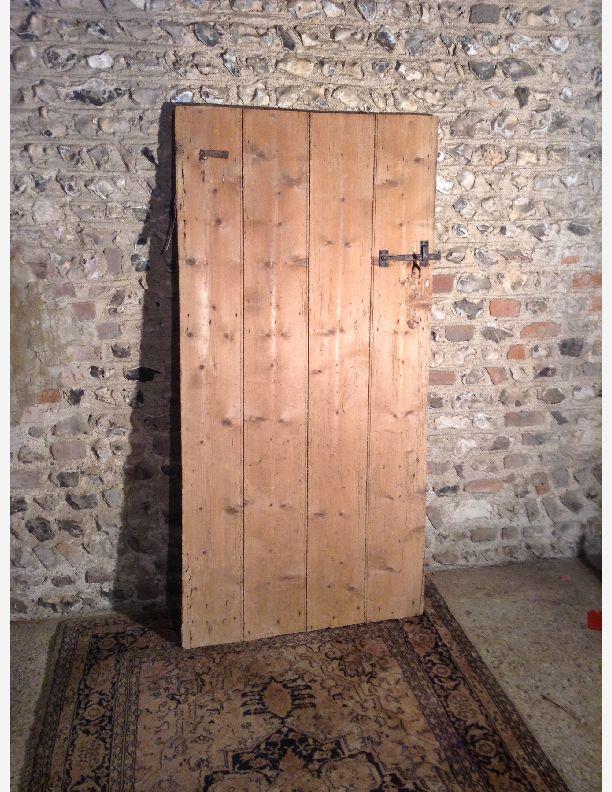 996 - ledge and brace door