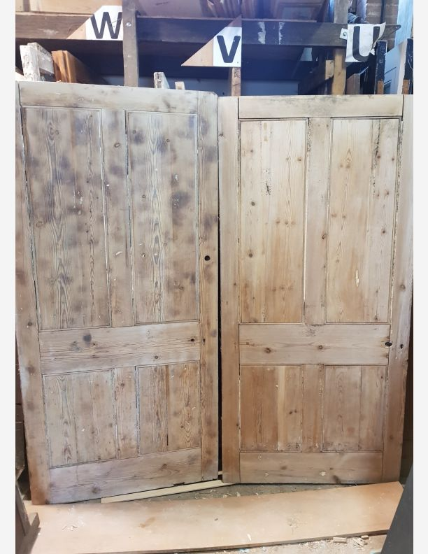 2063 - 40 x 83 x 2 and a quarter inch thick Victorian door