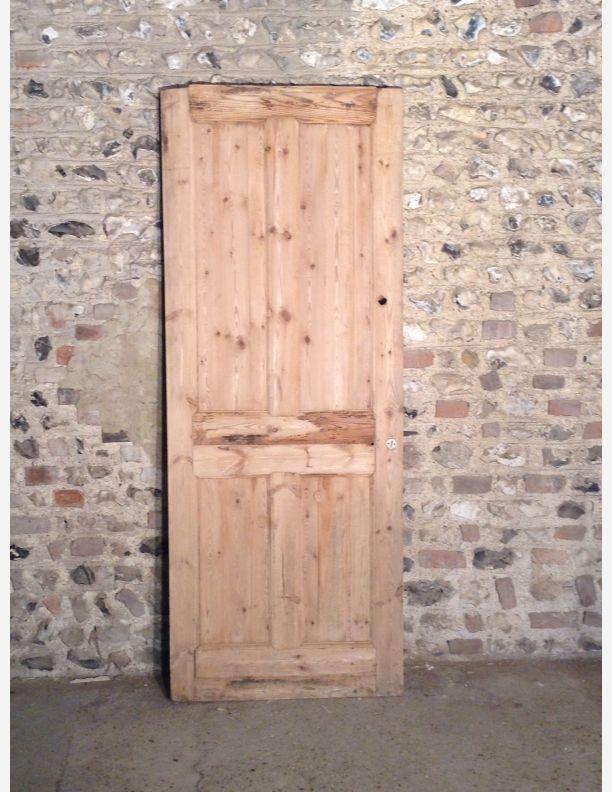 561 - Victorian 4 Panel Internal Door with Integral Moulding